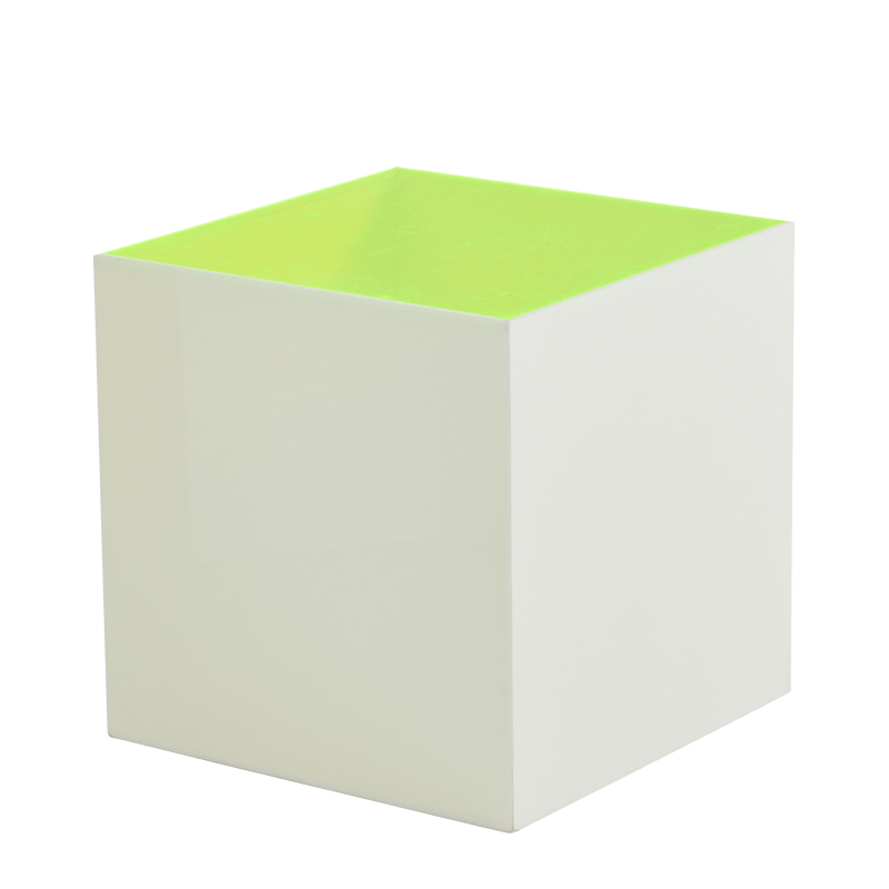 Seattle Cube Plinths in White with Green Top